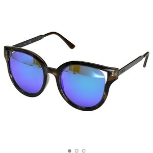 Guess blonde Havana sunglasses
